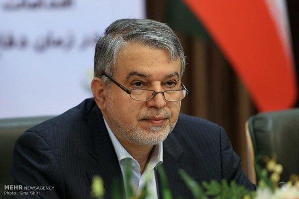 انتقاد وزیر ارشاد به نوشته روی سنگ مزار شهید سلیمانی + عکس