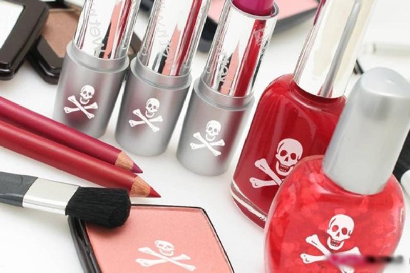 عوارض محصولات آرایشی قاچاق