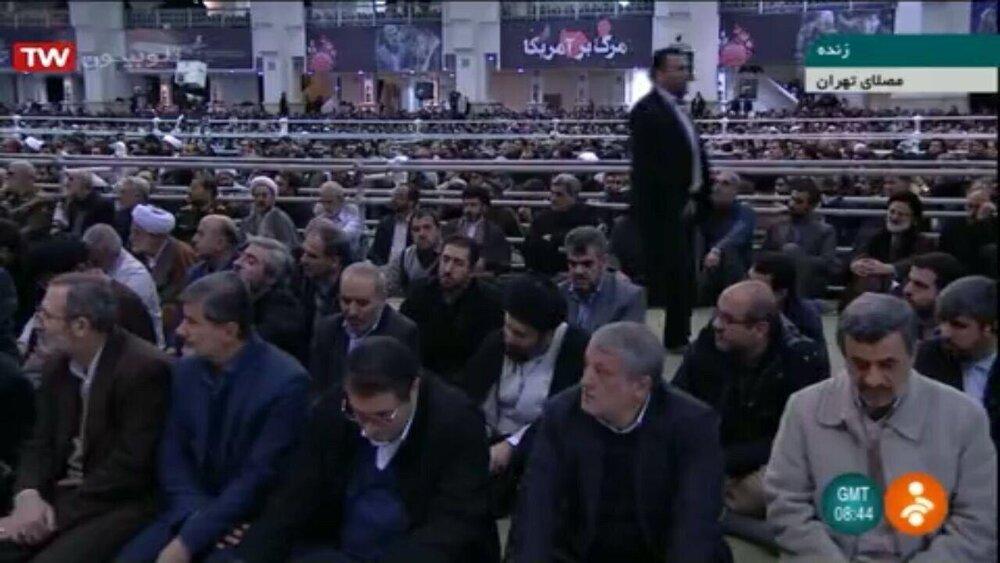 احمدینژاد به همراه محسن هاشمی در نماز جمعه دیروز تهران + عکس