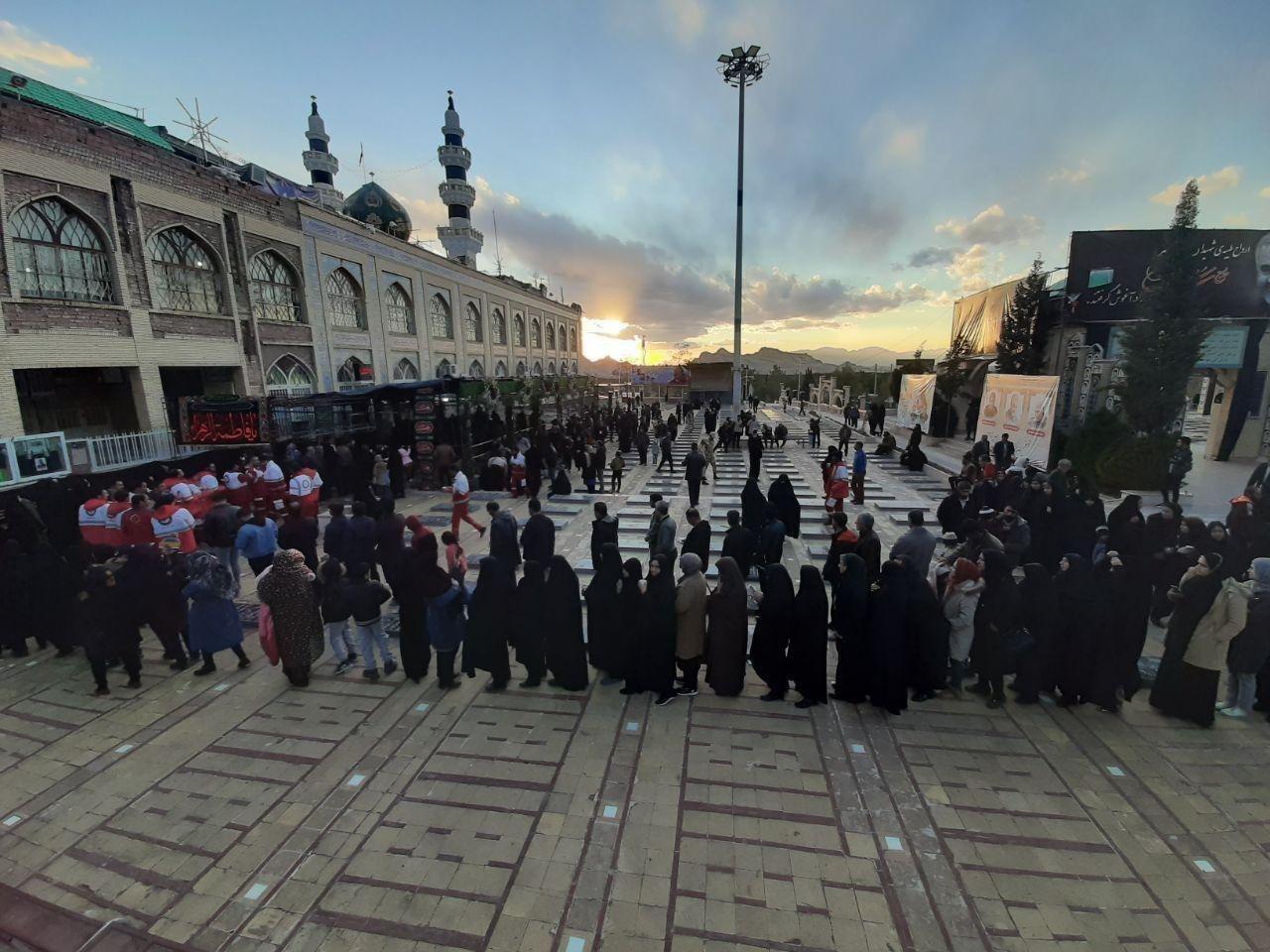 تصویری زیبا از حال و هوای مزار شهید سلیمانی + عکس