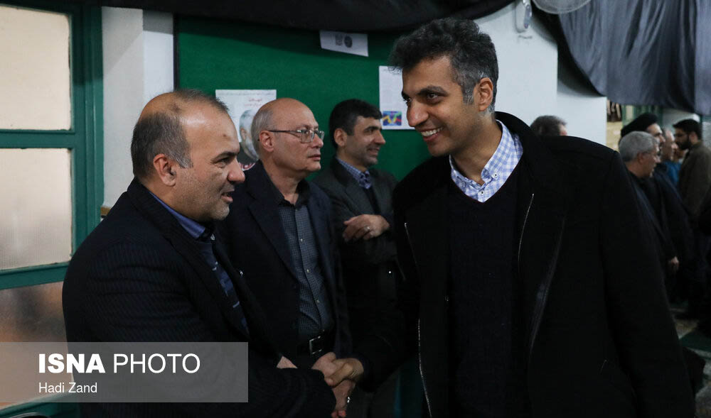 عادل فردوسی پور در مراسم یادبود شهدای دانشگاه شریف + عکس