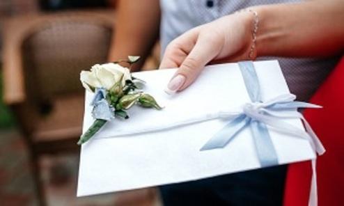 درخواست خجالت آور عروس از مهمانان عروسی! + عکس