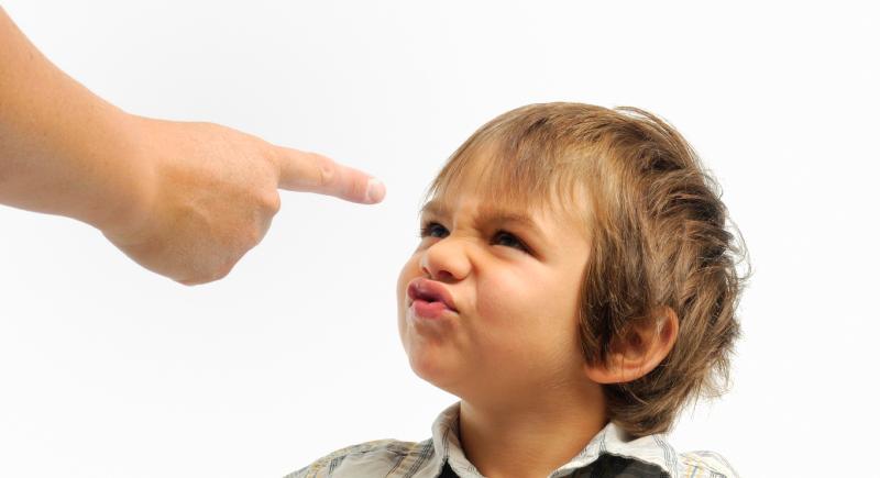 آیا «لجبازی» کودکان طبیعی است؟