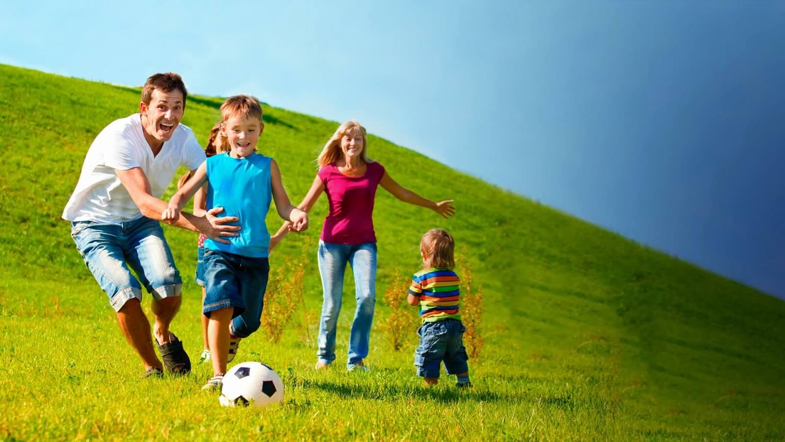 6 راز والدین هلندی برای پرورش شادترین کودکان