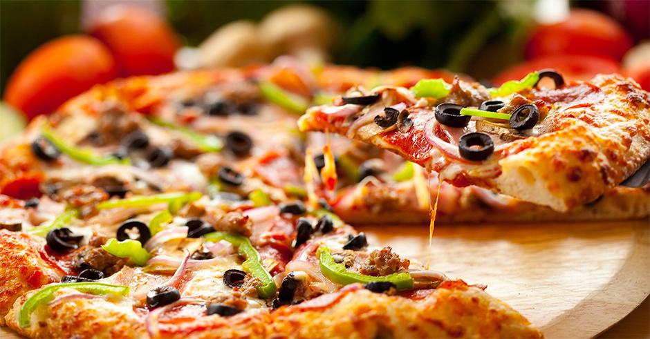 چرا نباید شبها پیش از خواب پیتزا بخورید؟