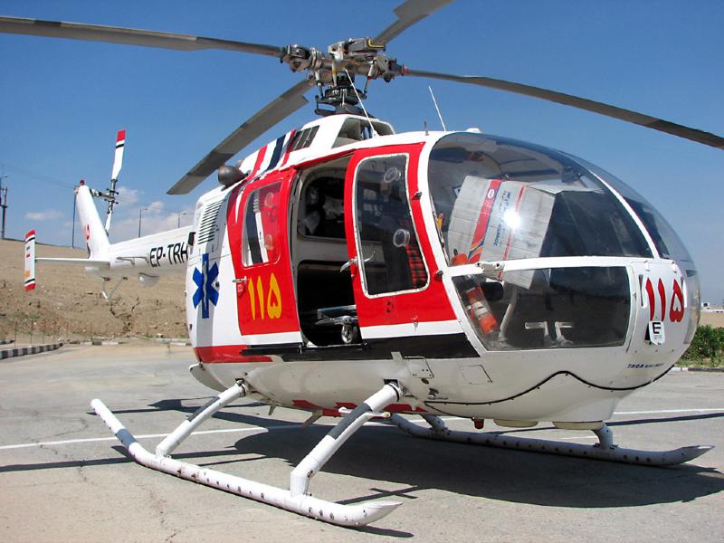 پرواز بالگرد اورژانس لارستان برای نجات جان مادر باردار و کودک شیرخوار