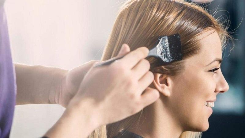 آیا رنگ کردن مو باعث از بین رفتن شپش می شود؟