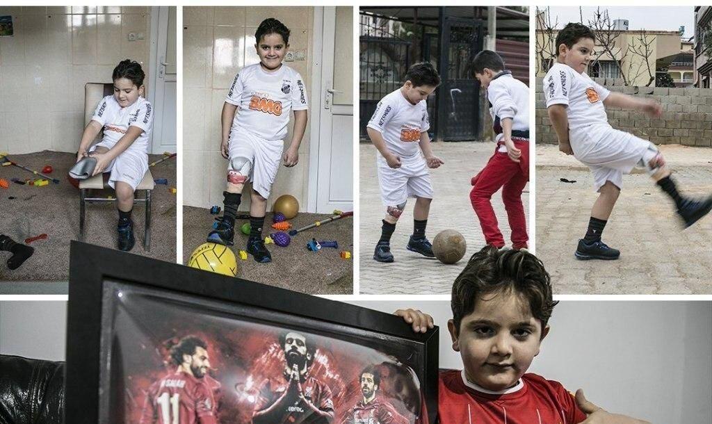 حرکت زیبای محمد صلاح برای کودک سوری + عکس