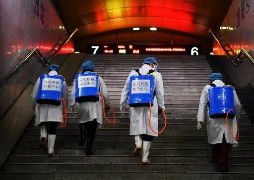 نصب مواد ضدعفونی کننده در ایستگاههای اتوبوس و مترو