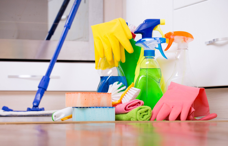 ۱۵ اشتباه در تمیز کردن خانه که وسایل ما را خراب میکند