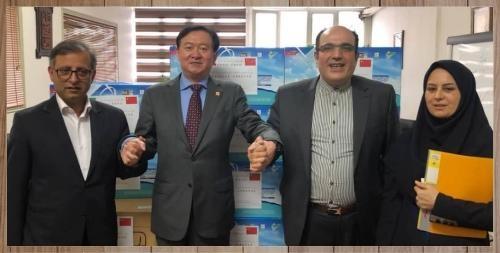 اهدای ماسک و ۵ هزار کیت تشخیص کووید ۱۹ توسط سفیر چین