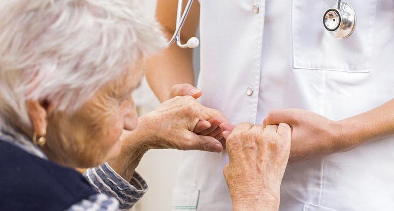 چگونه از سلامت روان سالمندان در برابر کرونا مراقبت کنیم