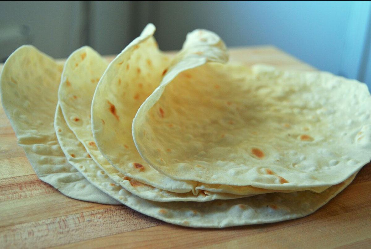 طرز تهیه نان لواش در خانه؛ در روزهای قرنطینه دست به کار شویم