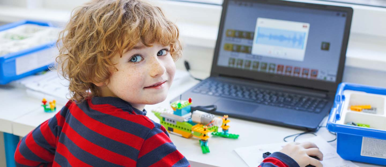 این کار می تواند رشد مغز در نوزادان، کودکان نوپا و پیش دبستانی را به تأخیر بیندازند