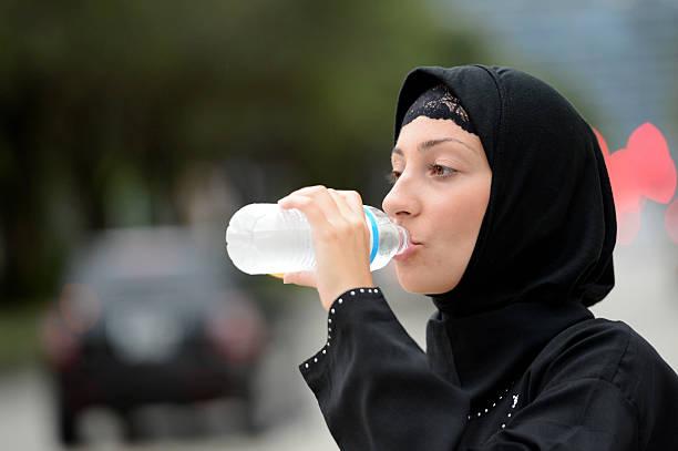 مزایای شگفت انگیز نوشیدن آب سرد حتی در هوای سرد