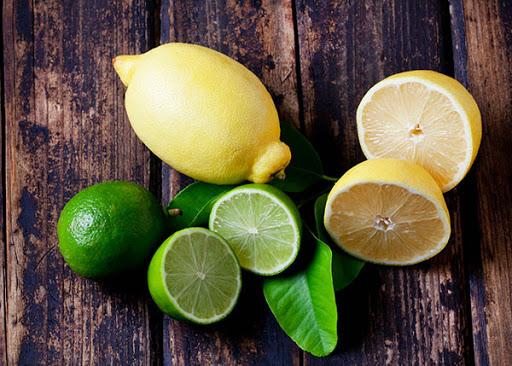 فواید نوشیدن آب ولرم و لیمو ترش هر روز صبح