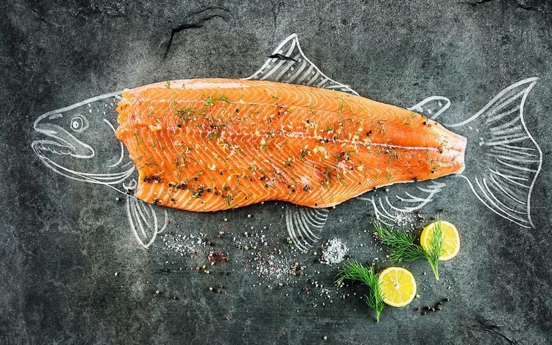 چرا خوردن پوست ماهی مضر است؟