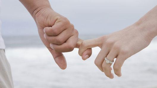 ۸ راهکار انتقاد از همسر