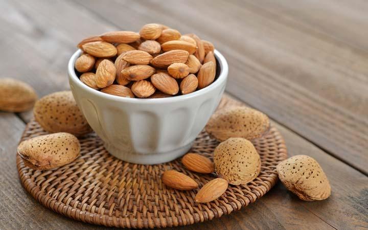 کدام نوع بادام بهتر است؛ تلخ یا شیرین؟