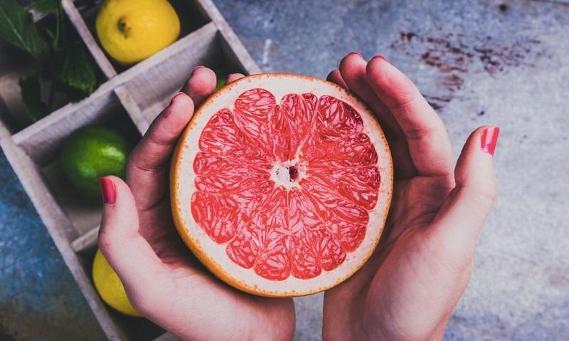 سلامتی قلب و کبدتان را با مصرف این میوه تضمین کنید