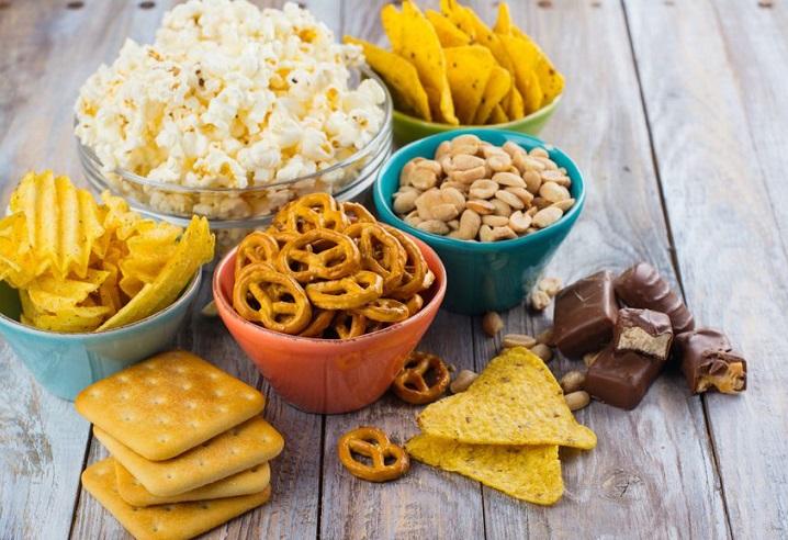 در روزهای کرونایی خوردن این خوراکیها ممنوع