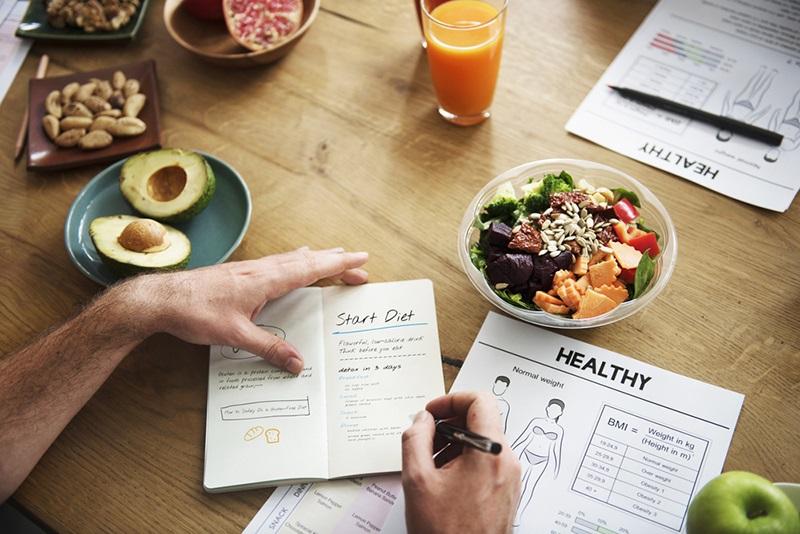 چطور یک برنامه غذایی عالی داشته باشیم؟