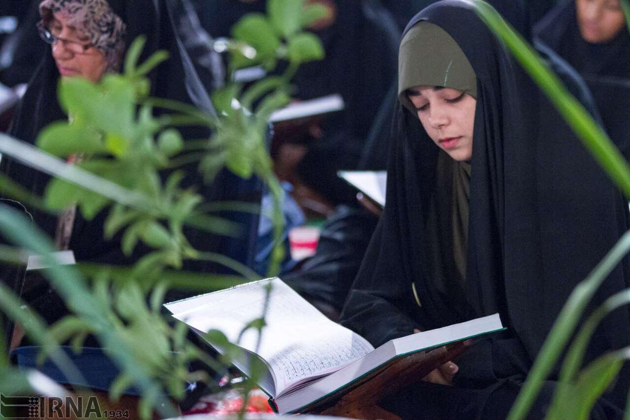 نور قرآن را با تلاوت و تدبر دریافت کنیم