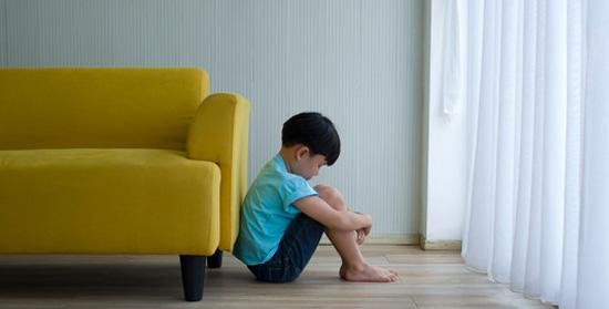 در بحران ها بر احساسات کودکانمان سرپوش نگذاریم