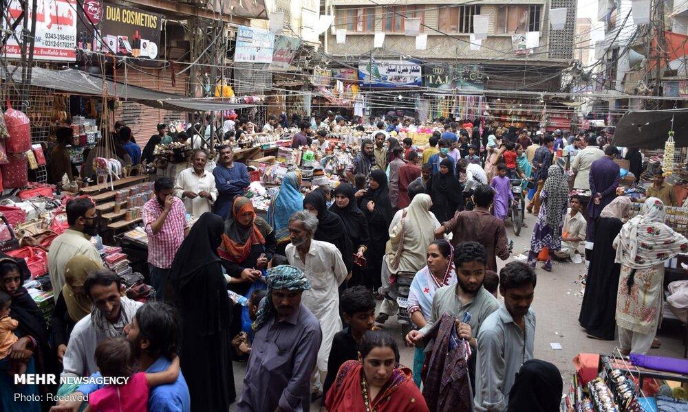 اوضاع خطرناک بازارهای پاکستان و شیوع کرونا + عکس