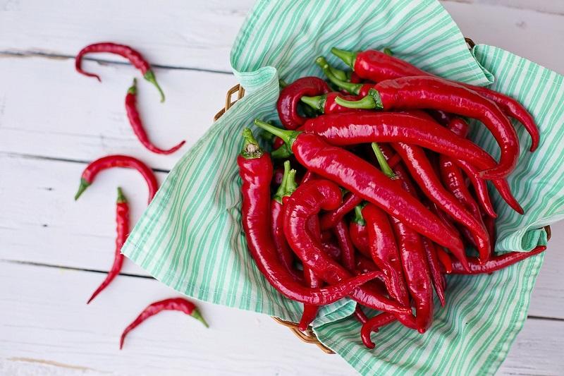 فرار از سرطان و بیماریهای قلبی با این ماده غذایی تند