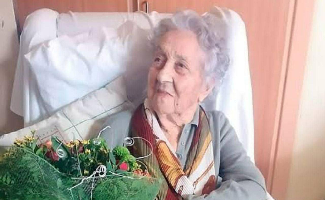 زن ۱۱۳ ساله اسپانیایی، کرونا را شکست داد! + عکس