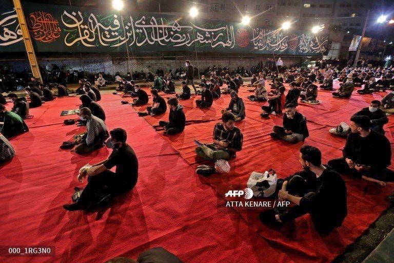 عکسی از باز شدن مساجد ایران به مناسبت ماه رمضان در خبرگزاری فرانسه
