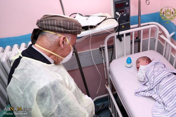 بازدید اشرف غنی از بیمارستان مورد حمله داعش + عکس