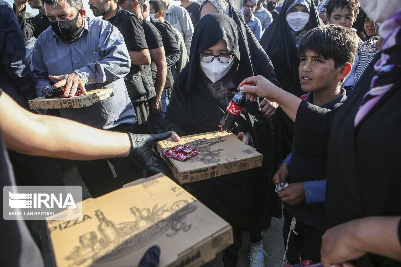 پیتزای نذری در کورههای آجرپزی چهاردانگه  + عکس