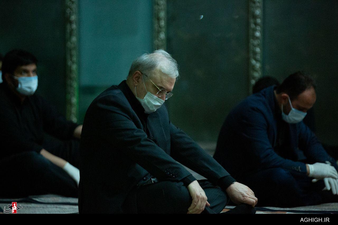 حضور وزیر بهداشت در بین سوگواران امام علی (ع) + عکس