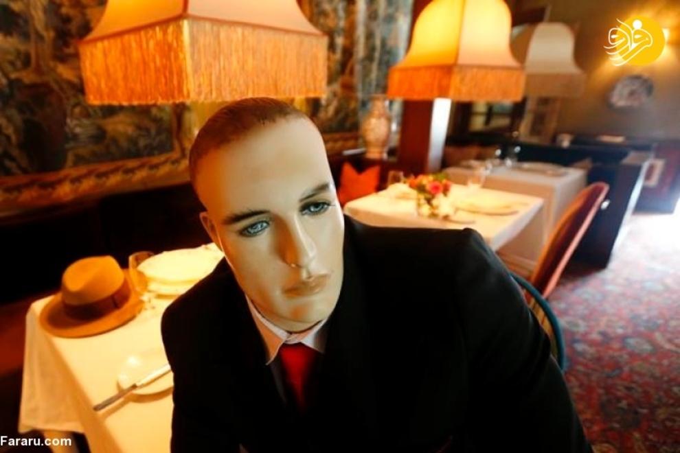 فاصلهگذاری اجتماعی با مانکنهای بیجان در یک رستوران آمریکایی! + عکس