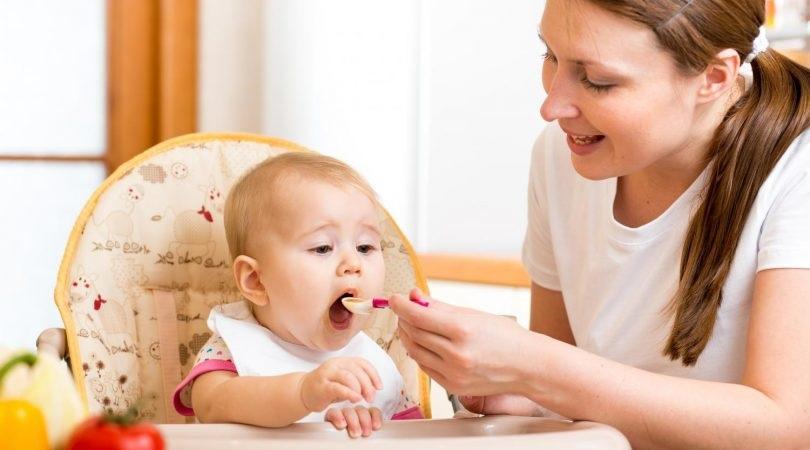 برای اینکه کودکتان غذاخور شود این کار را نکنید
