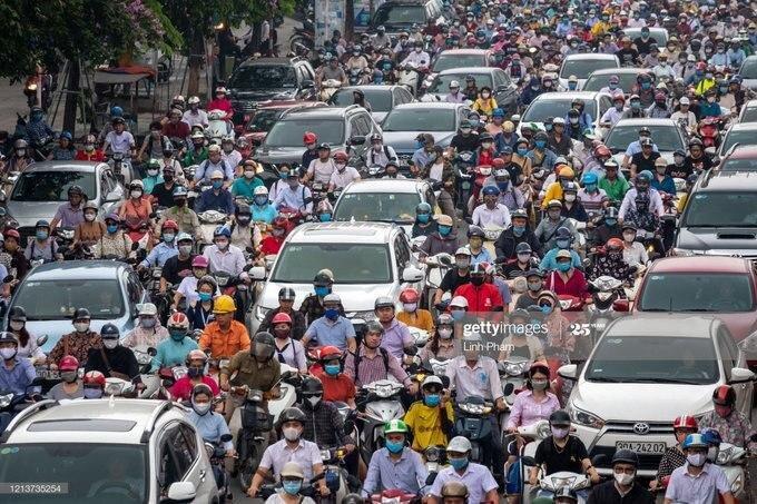 مدل وحشت آور عدم رعایت فاصله اجتماعی در هانوی! + عکس