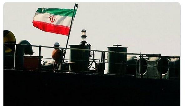 پرچم های افراشته نفتکشهای ایرانی در دریای کارائیب + عکس