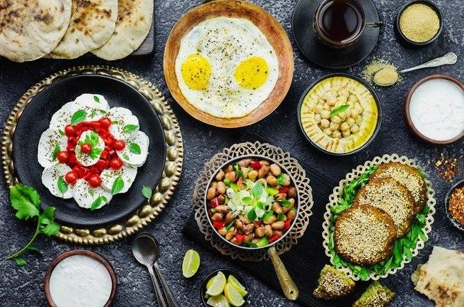 بعد از ماه رمضان چگونه غذا بخوریم تا دستگاه گوارش آسیب نبیند؟
