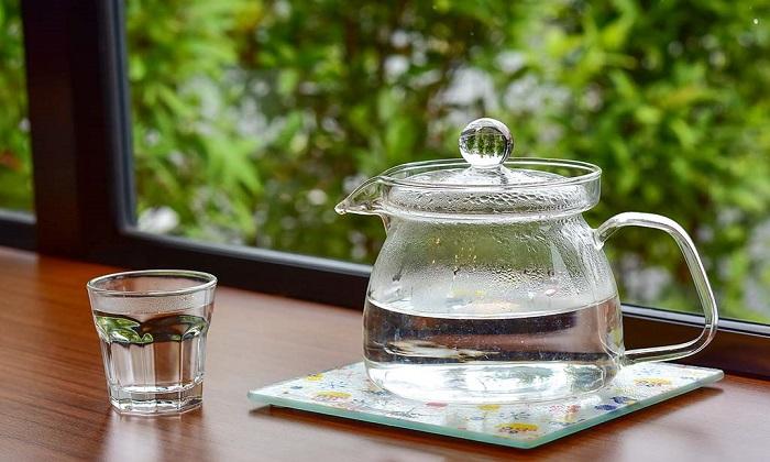 12 فایده  آب داغ برای سلامت