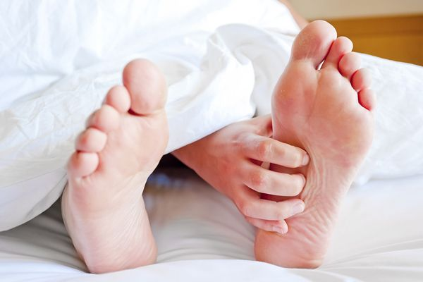 دلایل سوزن سوزن شدن پا یا به اصطلاح خوابیدن پا