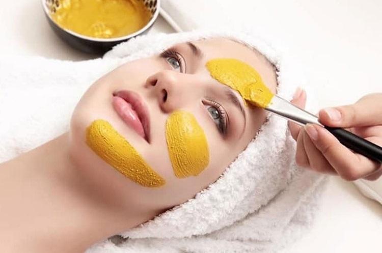 اگر بدنبال یک پوست درخشان هستید پس ماسک زردچوبه را جدی بگیرید