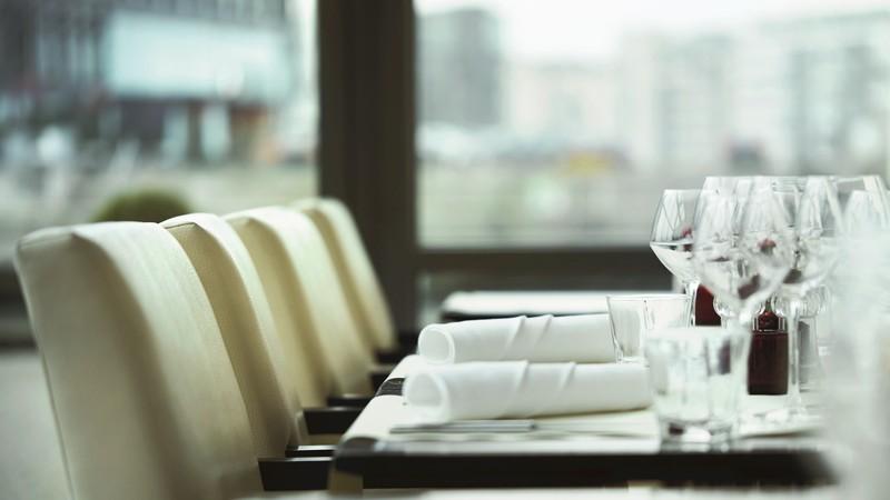 رستوران رفتن در شرایط کرونا چگونه باید باشد؟