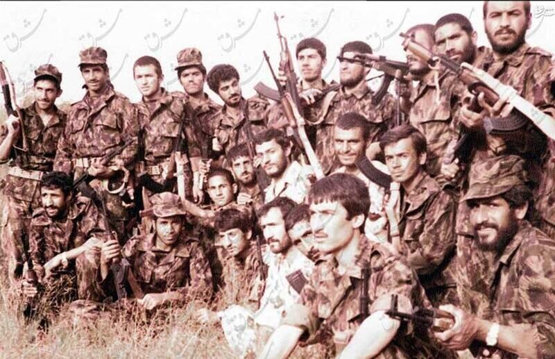 تصاویر دیده نشده از سردار سلیمانی در دوره آموزش نظامی + عکس
