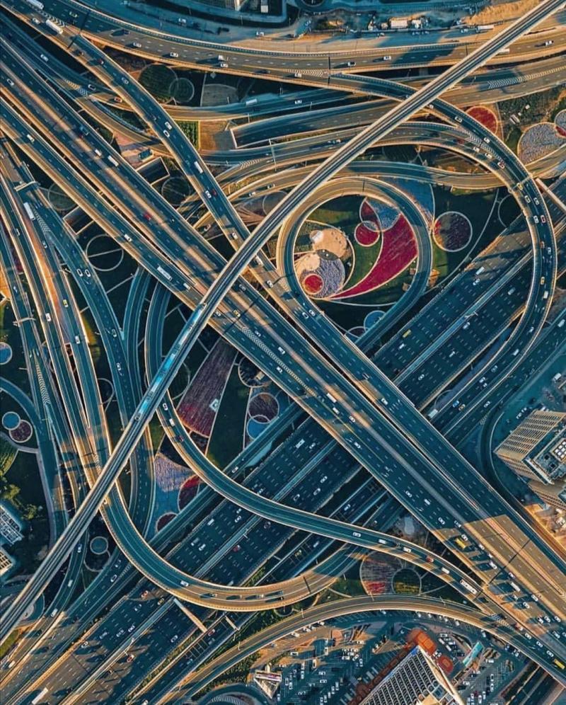 تصویر هوایی از بزرگراه های شهر دبی + عکس