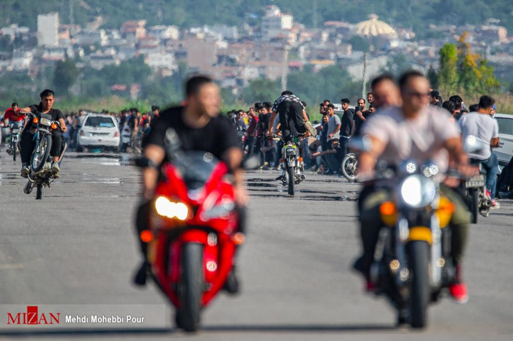 تفریحات مرگبار با موتورسیکلت در ایران + عکس