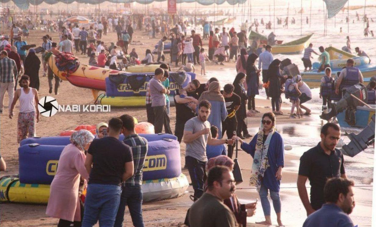 بازی با کرونا در ساحل بابلسر! + عکس