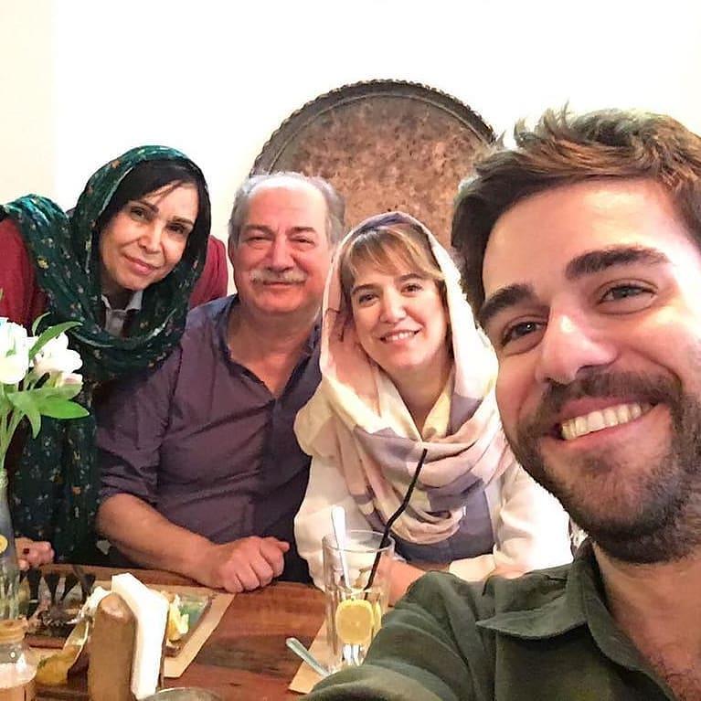 سلفی ستاره پسیانی با خانواده (عکس)