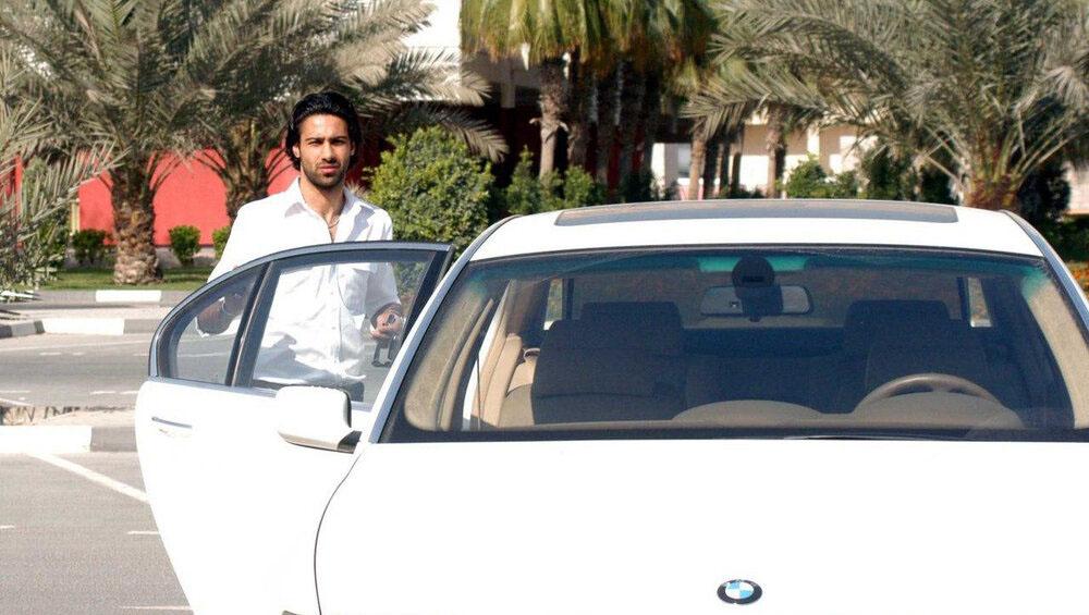 فرهاد مجیدی و «بیامو» گرانقیمتش در دبی + عکس